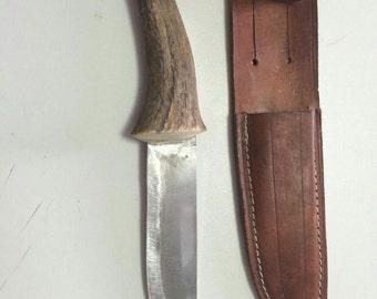 Knife up to deer - Horn handle knife