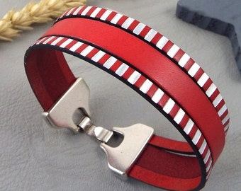 Bracelet leather red and striped red and silver clasp silver plated