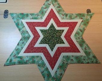 Star shaped Christmas table topper