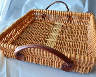 Square Woven Wicker Reed Serving Basket Tray Platter With Faux Leather Handles .
