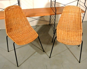 2 mid century wicker chairs with filigree base