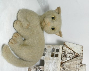 wool toys houseCat