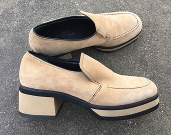 Vingtage HUSH PUPPIES Suede Platfom Loafers