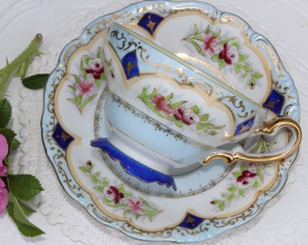 Exquisite moka footed  cup, demitasse, small tea cup, hand painted, made in Occupied Japan