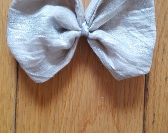 Boutique Bow in Cream and Silver one off.