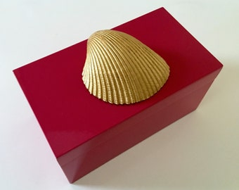 Pink Lacquer Box Adorned with Gold Shell