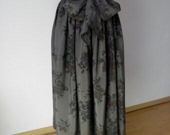 Silk Skirt - size 40