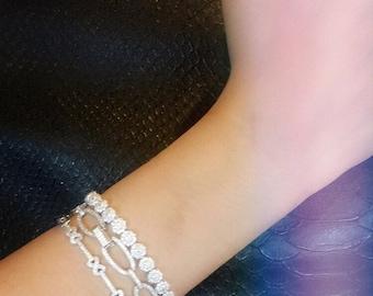 Flower tennis bracelet