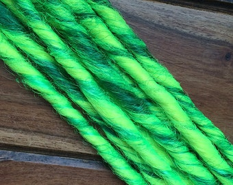 Synthetic Dreads - Glow Worm UV Marble SE - Set of 4