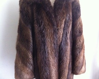 Long Winter Warm Vintage Brown Genuine Beaver Velvet Fur Coat Elegant And Chic Coat Women's Size Large.