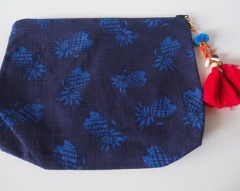 Blue Pineapple Beach Clutch