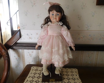 """Collectors Doll """"I Love Tupperware"""" Award Doll from the 1980's"""