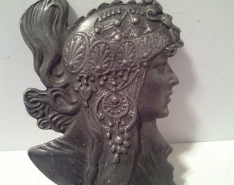 Great detail,....art nouveau lady