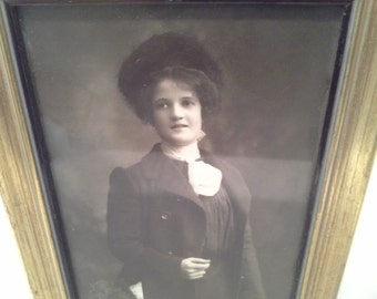 Victorian looking lady photo in gold frame