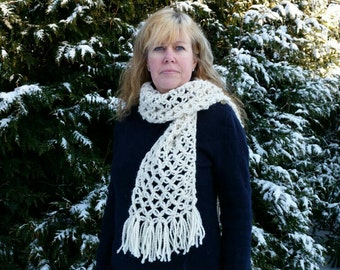 Wool scarf lovers knot