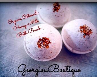 Free shipping 2 Large Bath bombs/Organic Luxurious Bath Bomb Oatmeal Honey and Milk!/on sale/gift set/2 bath bombs/on sale
