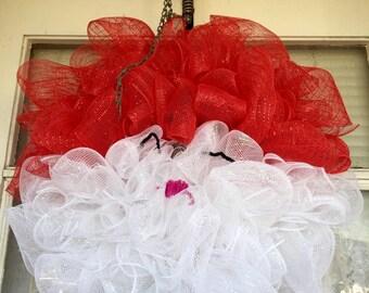 Deco Mesh Ruffle Santa Wreath