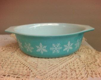 Pyrex Blue Snowflake Casserole Dish