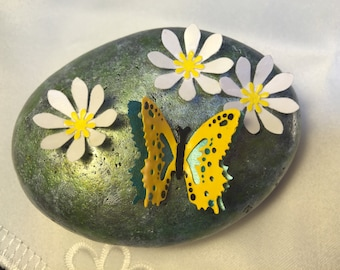 Butterfly,White Flowers,Painted Stone,Painted Rock,Paper Flowers,River Rock,River Stone,Stone Art,Rock Art,Flower Garden,Home Decor,PaperArt