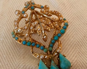 Exquisite Victorian Revival Brooch. Vintage Exquisite Faux Turquoise and Pearl Brooch. Gold Tone Brooch.
