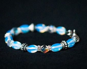 Silver Bracelet with Moonstone