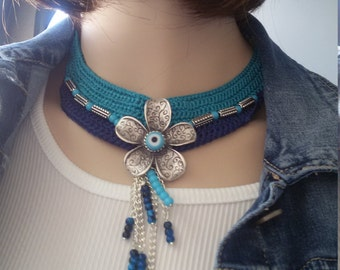 Necklace hook