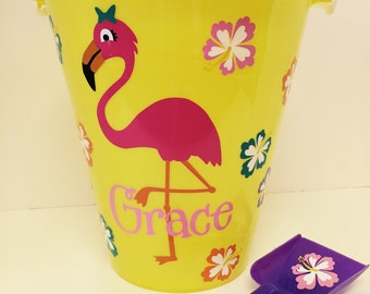 Sand pail with Flamingo/sand Pail/ flamingo beach Bucket/ Custom Flamingo Beach Bucket