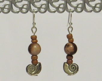 E-1698 Silver plated Nautilus Shell Earrings