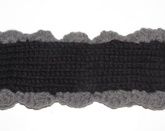 Knitted Earwarmer with Scalloped edges