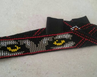 Beaded hat band... Wolf in the Dark