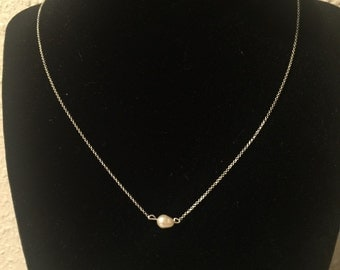 Delicate pearl layering necklace