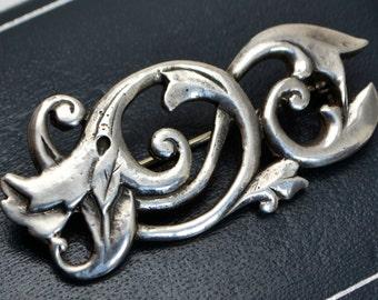 1963 Sterling SILVER London DESIGNER Nouveau Style Scrolled LEAVES Foliate Brooch / Pin