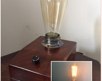 Bedside/desk lamp Edison shellac-polished Walnut wood, Vintage style, with dimmer for adjusting intensity.