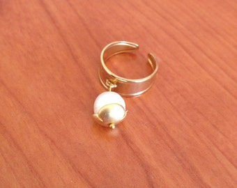 Gold plated ring with pearl