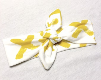Banner cross yellow mustard