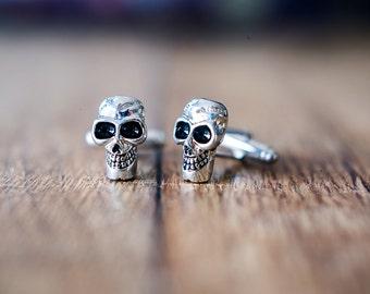 Cufflinks (cufflinks) skull