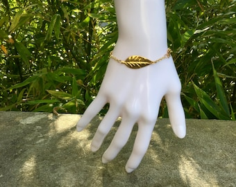 Leaf bracelet plated gold