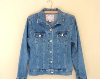 Jeans jacket short for wife or daughter. Size medium. Vintage in good condition.