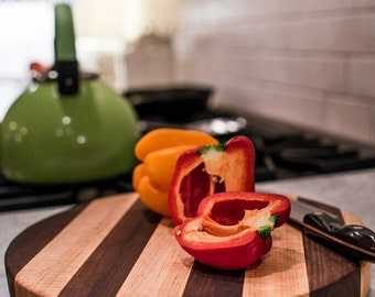 Circle cutting boards