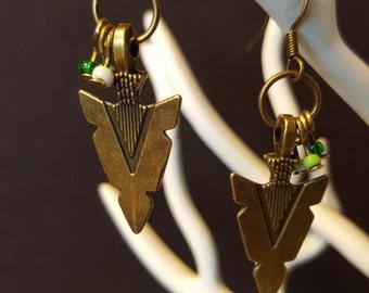 Arrowhead - roquaille beads and charm earrings
