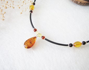 Chic Honey Baltic Amber Pendant Necklace, Amber Pendant, Baltic Amber Pendant, Honey Amber Choker, Amber Beads Choker, Silver Choker