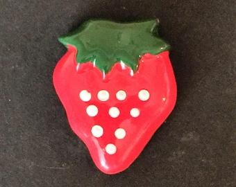 Red Strawberry flat back resin     (19-VA-160)