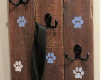 Leash hanger, leash holder, paw prints, leash, pallet, pet, upcycled, reclaimed