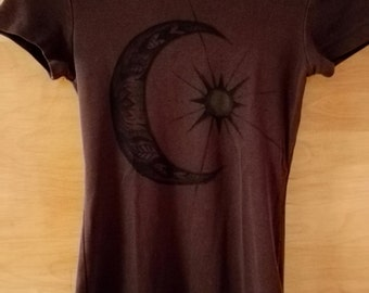 Brown, unique hippie/fairy style Moon&sun print T-shirt size XS