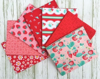 SALE!! The Shabby Strawberry Fat Quarter Bundle, 7 Fat Quarters, Penny Rose Fabric Bundle