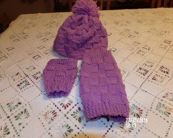 Knitted  hat ,gloves ,boot cuffs