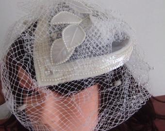 Pearls rhinestones wedding hairstyle wedding hairstyle white veil pearls hair comb