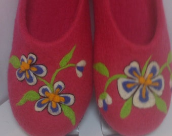 Slippers felted 100% wool