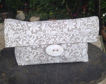 Pouch - make-up in printed linen lace Kit