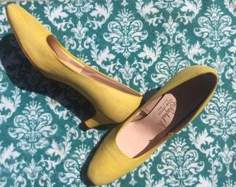 Yellow vintage Mr Raphael 1950s heels size 7